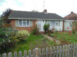 2 Bedrooms Bungalow for sale in Orchard Avenue, Worthing, West Sussex