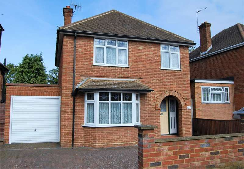 4 Bedrooms Detached House for sale in Nash Mills Borders, Hemel Hempstead