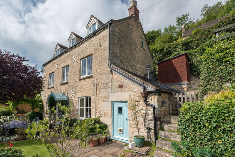 4 Bedrooms Detached House for sale in Newmarket, Nailsworth