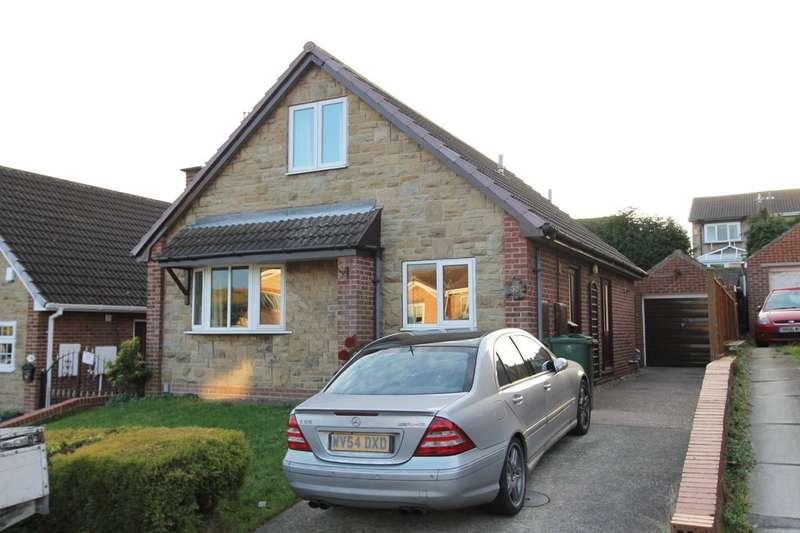 3 Bedrooms Detached Bungalow for sale in Newlyn Drive, Monk Bretton, S71 2AJ
