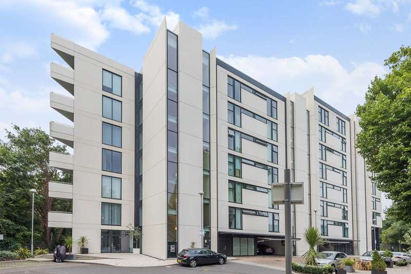 3 Bedrooms Flat for sale in Chiswick Point, Chiswick, W4