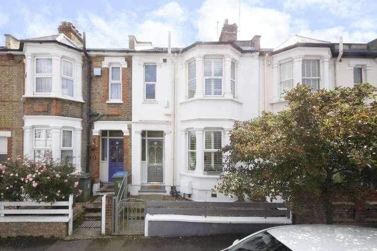 3 Bedrooms Terraced House for sale in Sandtoft Road Charlton SE7