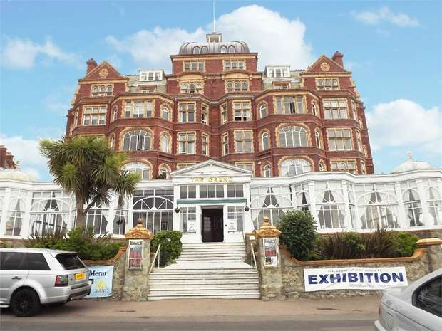 2 Bedrooms Flat for sale in The Leas, Folkestone, Kent