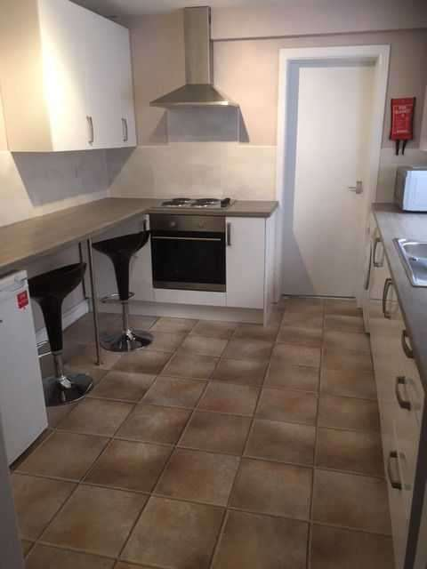 5 Bedrooms House Share for rent in Moseley Road, Fallowfield, Manchester