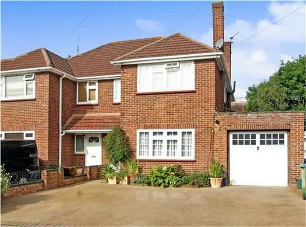 3 Bedrooms Semi Detached House for sale in Havers Avenue, Hersham, WALTON-ON-THAMES, Surrey