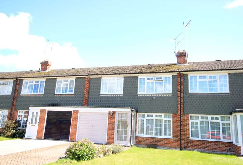 4 Bedrooms Town House for sale in Maldon Close, Reading, RG30