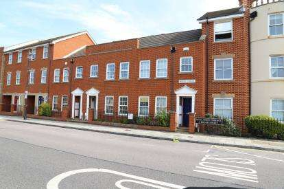 3 Bedrooms Terraced House for sale in Broad Street, Old Portsmouth, Hampshire