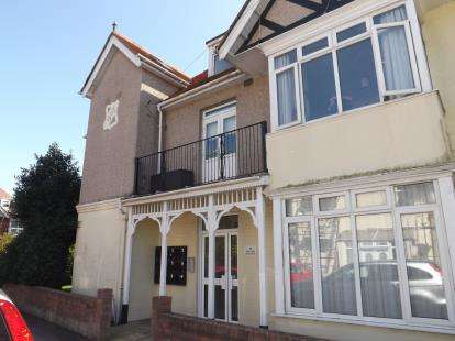 1 Bedroom Flat for sale in Southbourne, Bournemouth, Dorset
