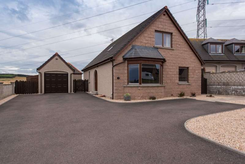 4 Bedrooms Detached House for sale in Brockhill Rise, Inverurie, AB51 5RH