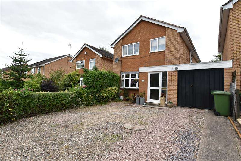 4 Bedrooms Link Detached House for sale in Park Way, Droitwich