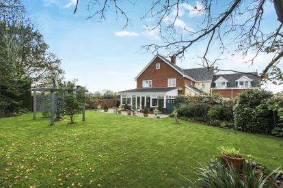 6 Bedrooms House for sale in Gislingham, Eye, Suffolk
