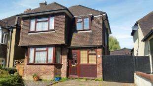 3 Bedrooms Detached House for sale in Brambletye Park Road, Earlswood, Redhill, Surrey