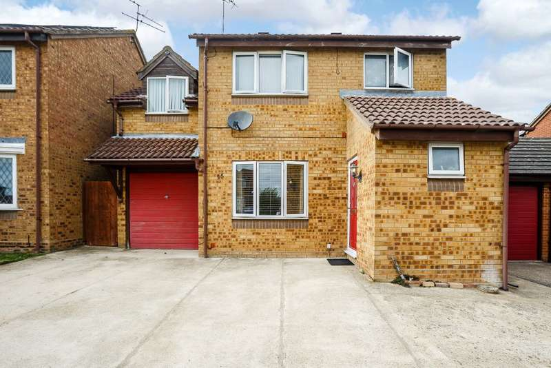 4 Bedrooms Detached House for sale in Boxfield Green, Chells Manor, Stevenage, Hertfordshire SG2 7DS