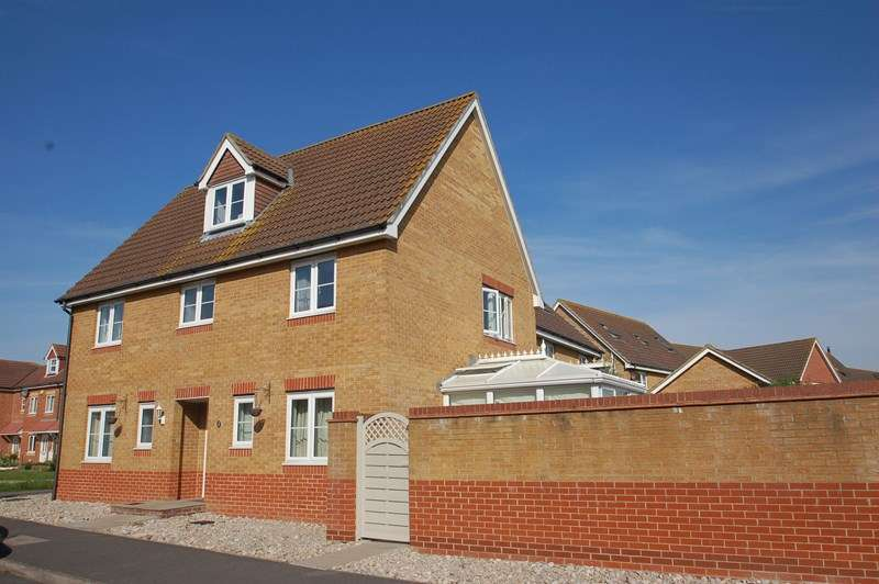 5 Bedrooms Detached House for sale in Martinet Drive, Lee on the Solent