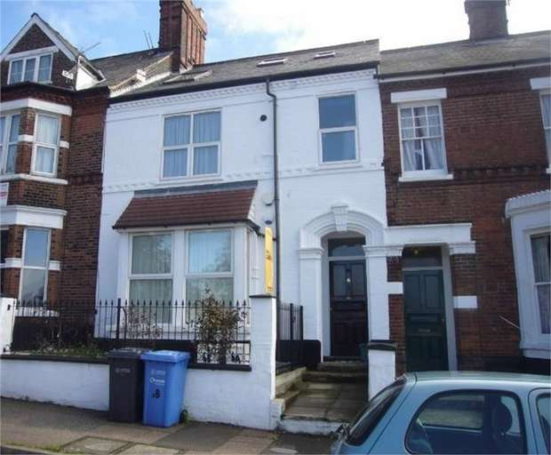 3 Bedrooms Terraced House for sale in Stracey Road, Norwich, Norfolk