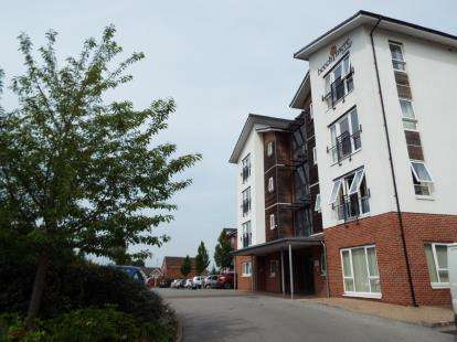 2 Bedrooms Flat for sale in Beechmere, Rolls Avenue, Crewe, Cheshire