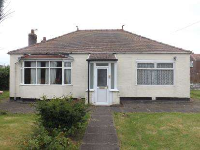 2 Bedrooms Bungalow for sale in Stanley Avenue, Great Sankey, Warrington, Cheshire