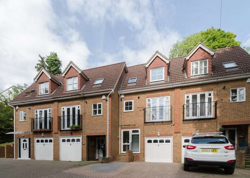 3 Bedrooms Town House for sale in Court Bushes Road, Whyteleafe, Surrey, CR3