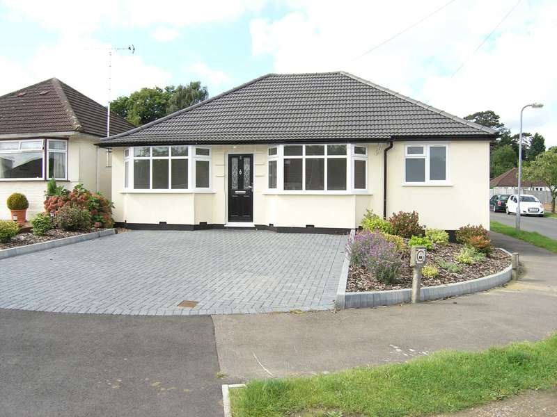 3 Bedrooms Bungalow for sale in Compton Place, Carpenders Park