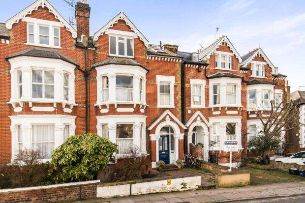 2 Bedrooms Flat for sale in Richmond, Surrey, .