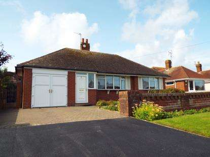 3 Bedrooms Bungalow for sale in The Strand, Fleetwood, FY7
