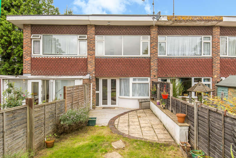 2 Bedrooms Terraced House for sale in Eastbourne Road, Lingfield, RH7