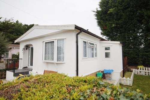 2 Bedrooms Park Home Mobile Home for sale in Valeview Park, Lymington