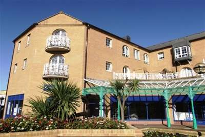 2 Bedrooms Flat for rent in Starboard Court, Brighton Marina