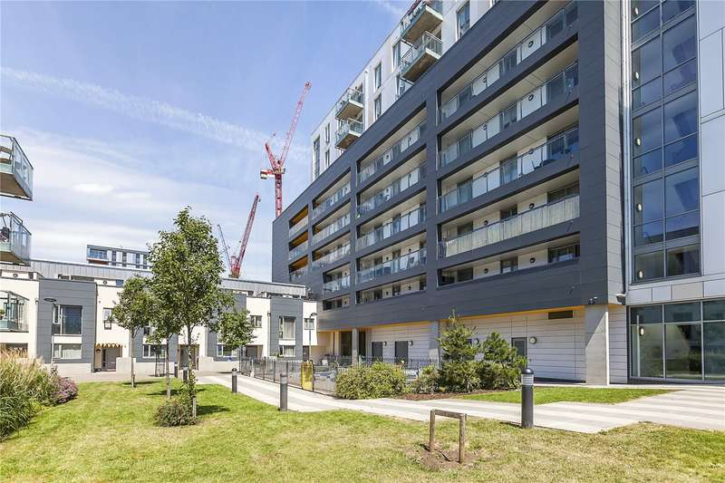 2 Bedrooms Flat for sale in Queensbury House, 17 Equinox Square, London, E14