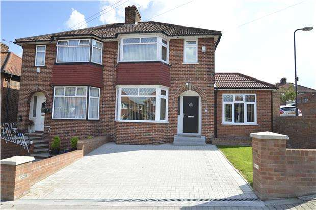 4 Bedrooms Semi Detached House for sale in Springfield Mount, Kingsbury, NW9 0SH