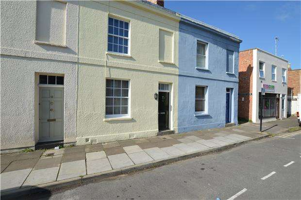 2 Bedrooms Terraced House for sale in Andover Road, CHELTENHAM, Gloucestershire, GL50 2EQ
