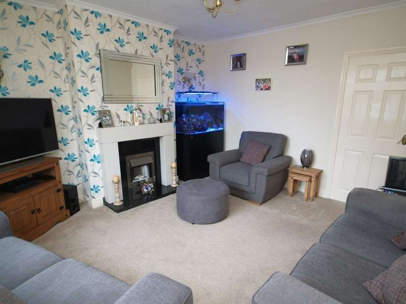 2 Bedrooms Semi Detached House for sale in St. Marks Road, Dudley