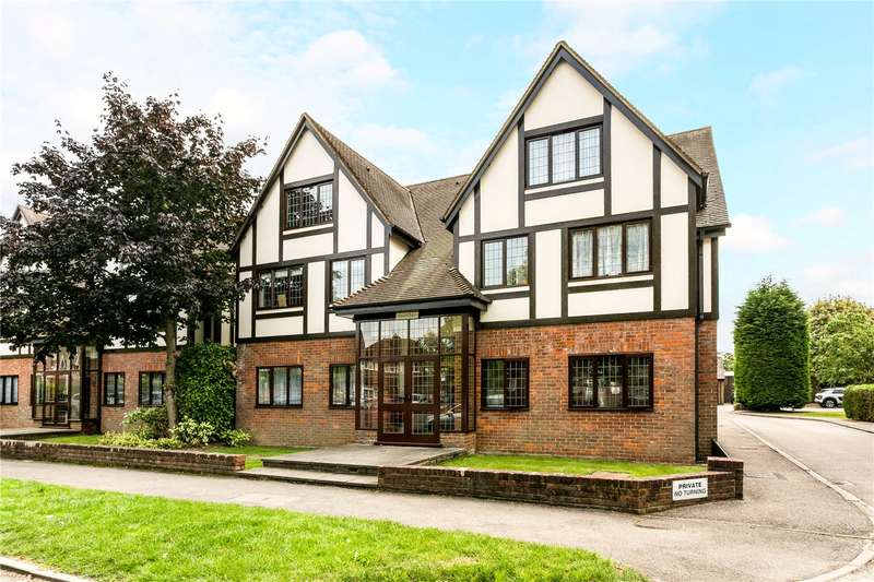 3 Bedrooms Flat for sale in Cleeves Court, 34 Warwick Road, Beaconsfield, HP9