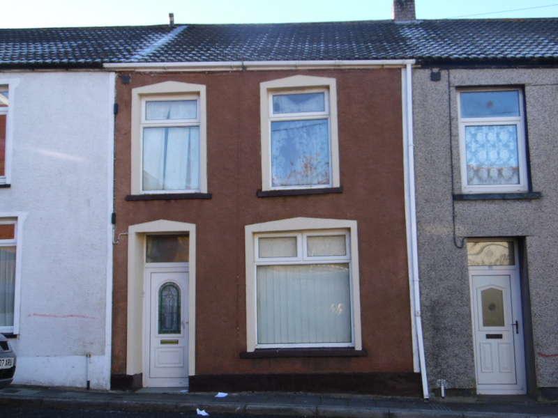 3 Bedrooms Terraced House for sale in Hill Street, Rhymney, Tredegar