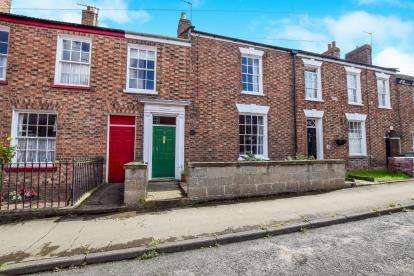 3 Bedrooms Terraced House for sale in Queen Street, Horncastle