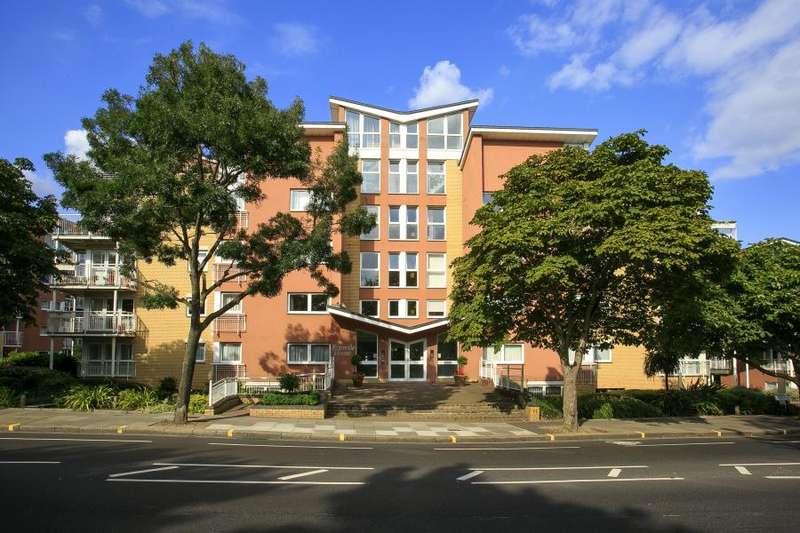 2 Bedrooms Apartment Flat for rent in Twickenham Road, Teddington, TW11