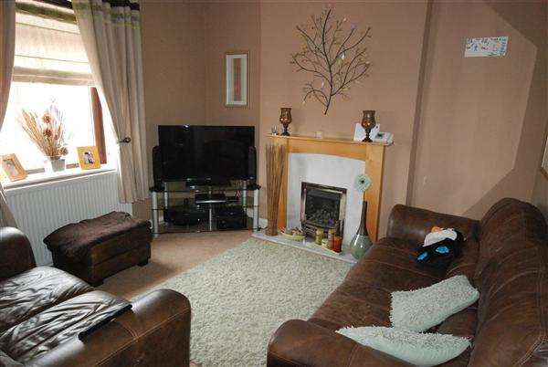 3 Bedrooms Terraced House for sale in Victor Street, Rochdale