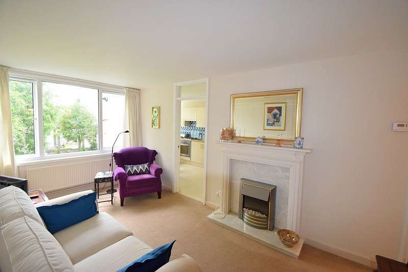 1 Bedroom Flat for sale in Christian Square, Windsor, SL4