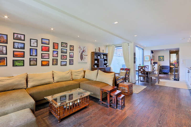 2 Bedrooms Flat for sale in Gillespie Road, N5 1LN