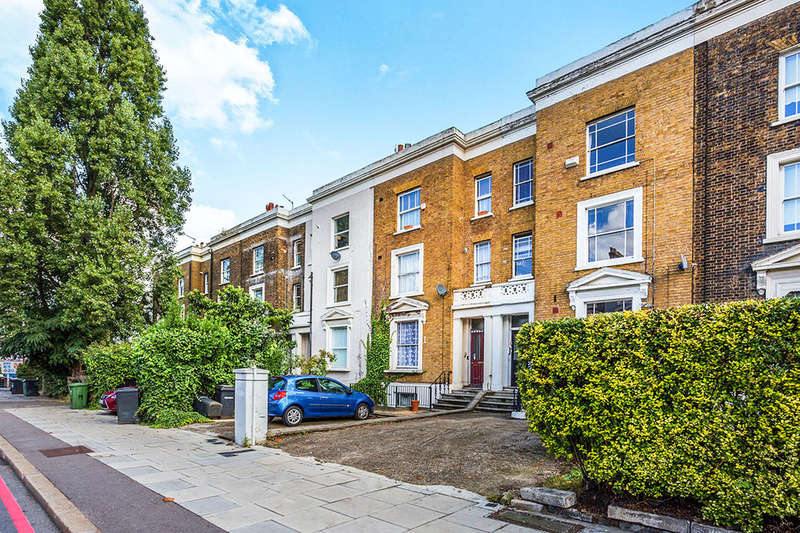 1 Bedroom Flat for sale in Lewisham Way, London, SE14