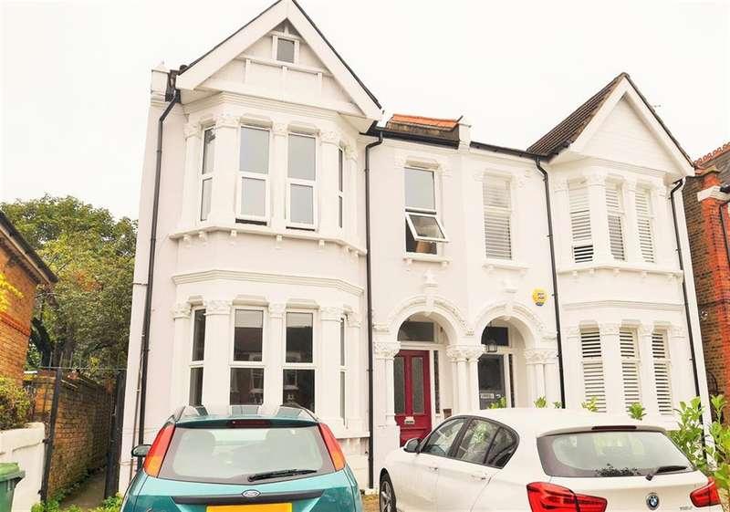 2 Bedrooms Flat for sale in Bradley Gardens, Ealing, London, W13 8HF