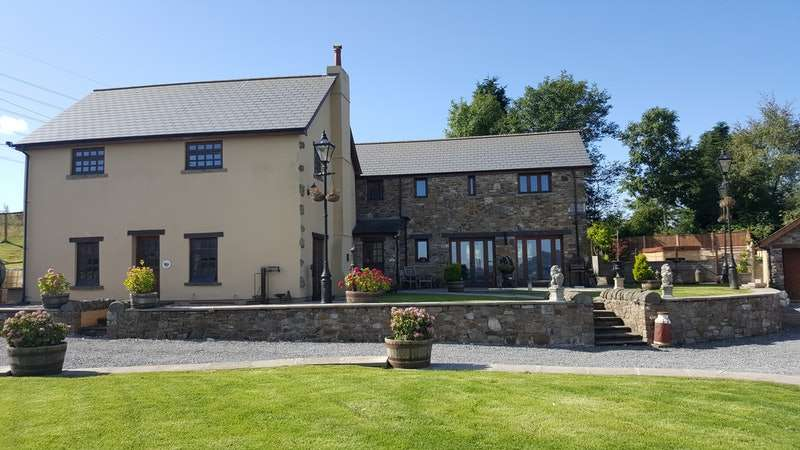 5 Bedrooms Farm House Character Property for sale in Twmballyn, Abergavenny, Monmouthshire, NP7