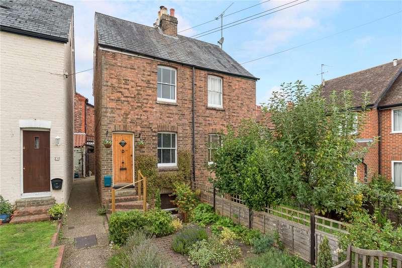 2 Bedrooms Semi Detached House for sale in Humphreys Cottages, Dene Street, Dorking, Surrey, RH4
