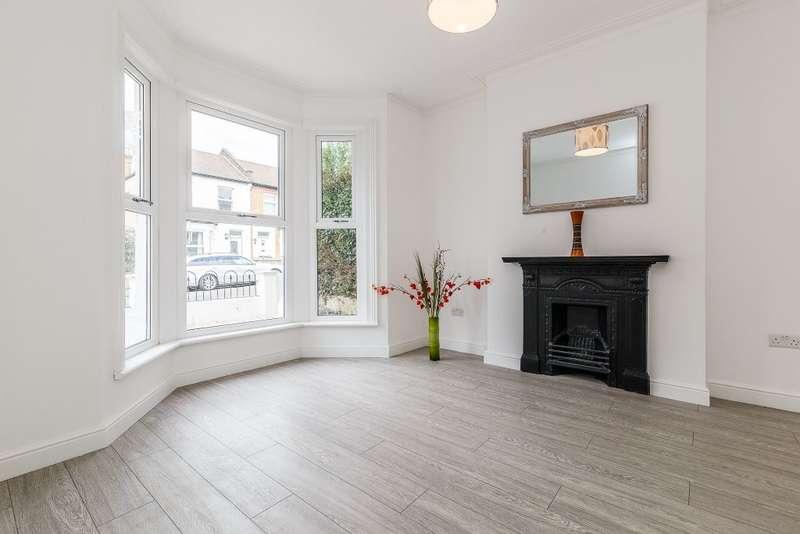 2 Bedrooms Semi Detached House for sale in Killearn Road,London, SE6 1BT