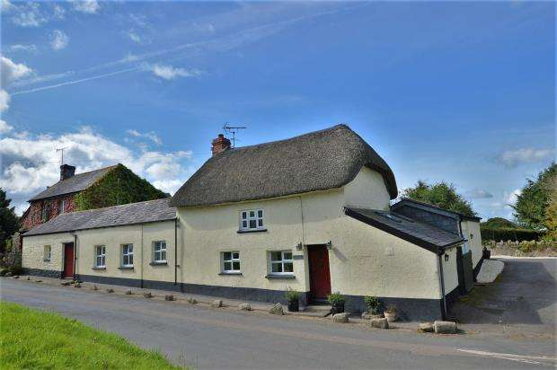 3 Bedrooms Detached House for sale in Tongue End, Okehampton