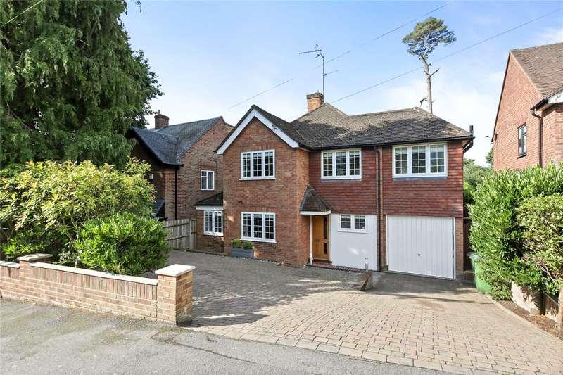 4 Bedrooms Detached House for sale in Chaucer Avenue, Weybridge, Surrey, KT13