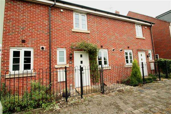 2 Bedrooms Terraced House for sale in Town Centre, Basingstoke, Hampshire