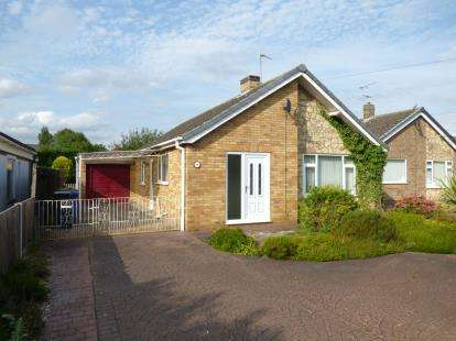 3 Bedrooms Bungalow for sale in Sykes Lane, Saxilby, Lincoln