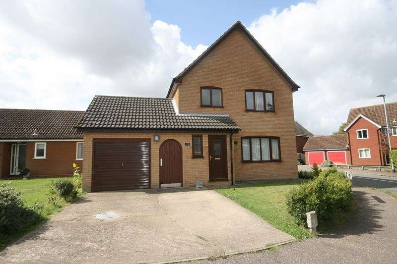 3 Bedrooms Detached House for sale in Springfields, Attleborough