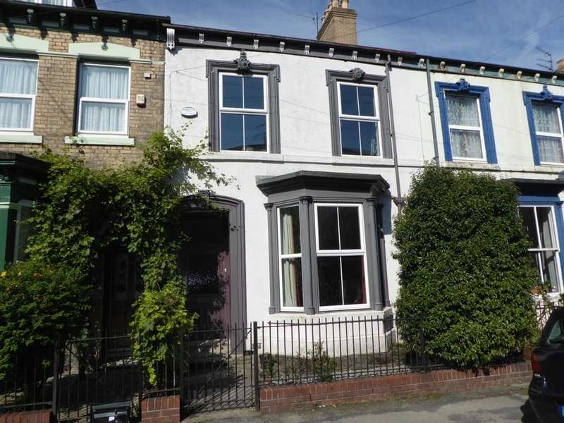 3 Bedrooms House for sale in Hutt Street, Hull, HU3 1QL